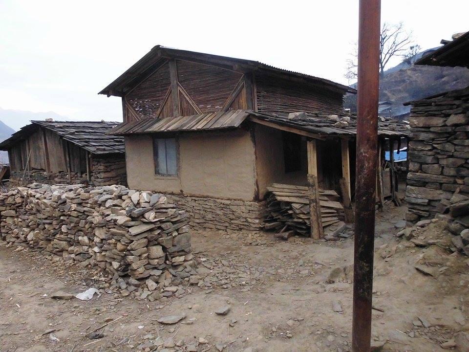 La première maison modèle, octobre 2015, Laprak, Népal
